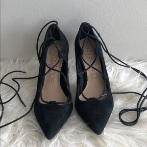 SOLE SOCIETY LACE UP PUMPS
